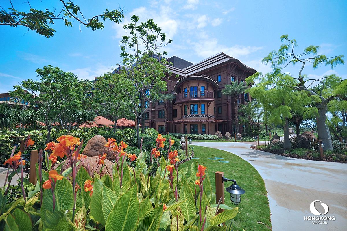 Disney Explorers Lodge
