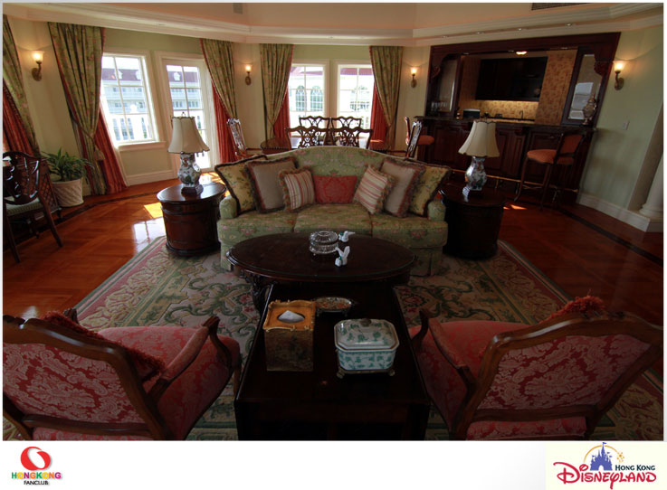Disneyland Hotel : กับห้องพักสุดหรู Walt Disney Suite