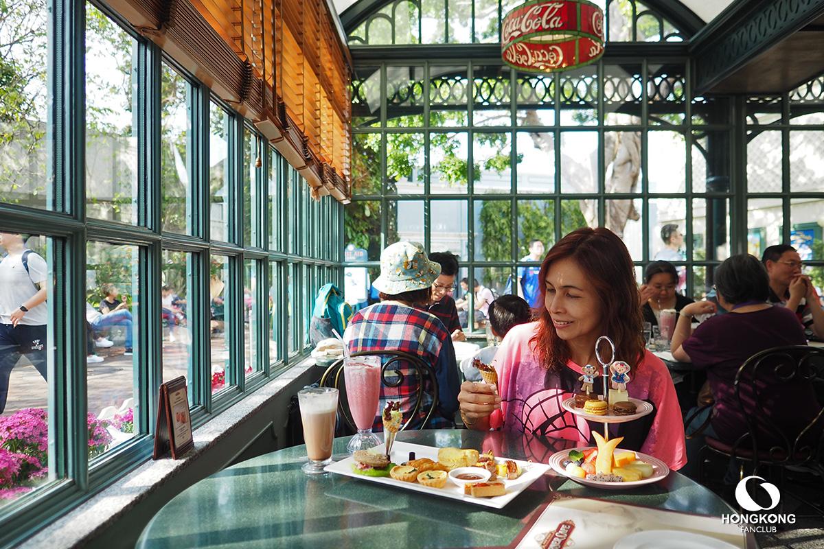 Main Street Corner Cafe